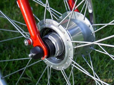 Shimano 3N70 hub front wheel