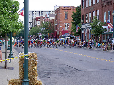 Start of 2005 Raspberry Festival Category 1-2-3 Criterium