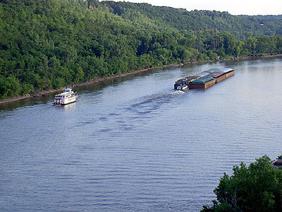 River Traffic on Mississippi