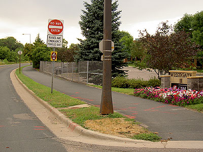Transitway bike path switches sides